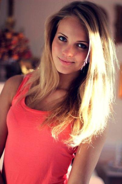 красивые девушки фото которым 15 лет