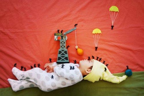 Очаровательная серия фотографий со спящим младенцем (22 фото)