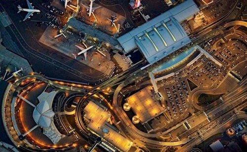 Аэропорты в серии снимков Джеффри Милштейна (12 фото)