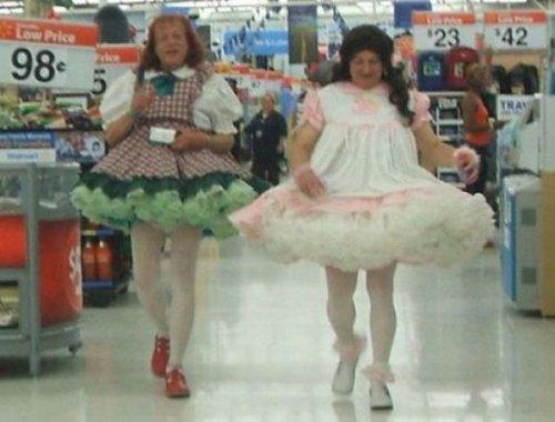 Все американские чудаки отовариваются в Walmart (20 фото)
