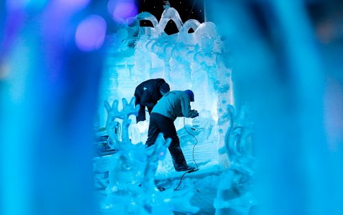 В Брюгге открылся Фестиваль снежных и ледяных скульптур (9 фото)