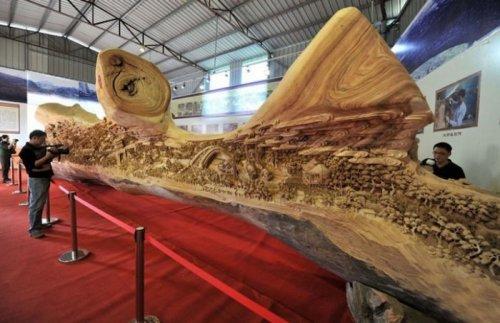 Крупнейшая в мире скульптура из дерева (9 фото)