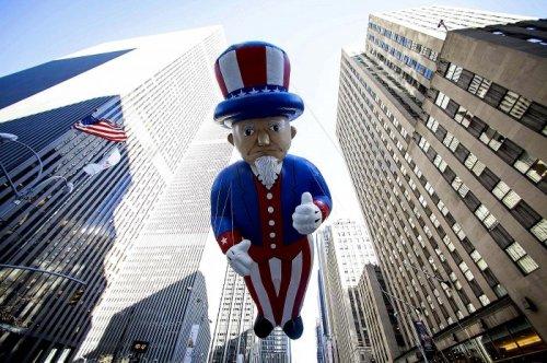 Праздничный парад в Нью-Йорке, посвящённый Дню Благодарения (24 фото)