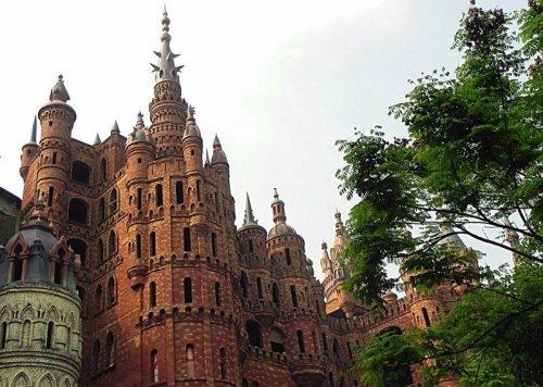 Дорогостоящее хобби миллионера: европейские замки в Китае (7 фото)