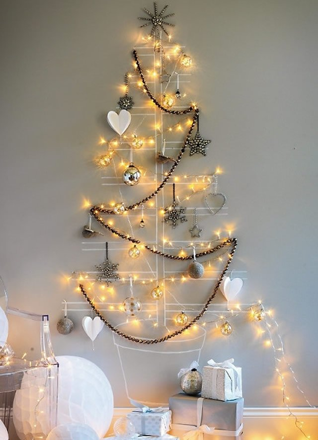 Новогодние гирлянды на стену