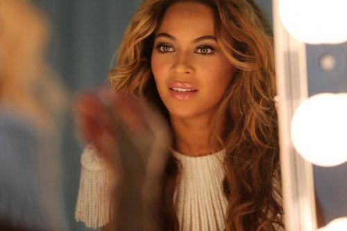 Топ-10 Самых высокооплачиваемых певиц 2013 года