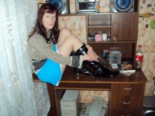 Чудаки и глЯмурные красотки из соцсетей (28 фото)