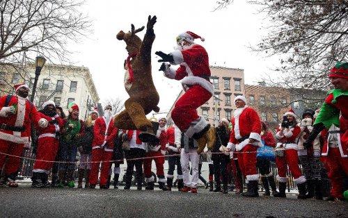 Всемирное гуляние Санта-Клаусов SantaCon 2013 (16 фото)