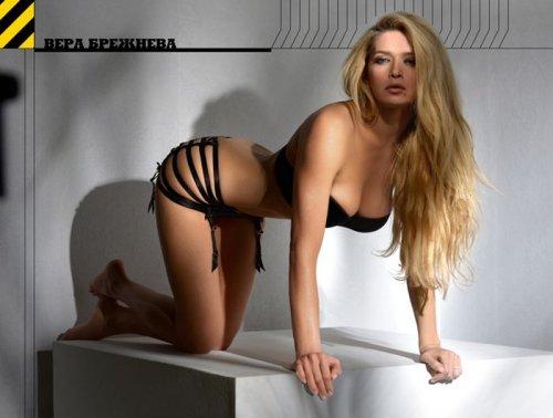 Вера Брежнева в эротической фотосессии для журнала Maxim (7 фото)