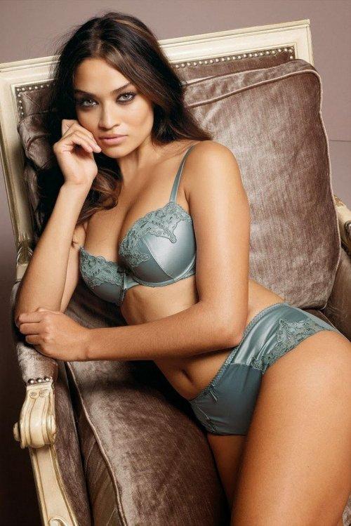 """Шанина Шейк снялась в рекламе нижнего белья от """"Next"""" (20 фото)"""