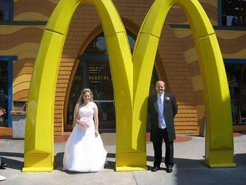 Свадьбы в ресторанах Макдональдс (24 фото)