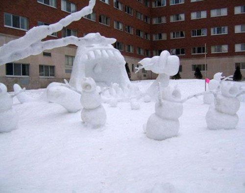 Снеговики и снежные бабы на любой вкус (31 фото)