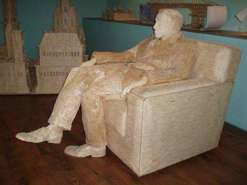 Фанат фильма «Крёстный отец» построил из спичек скульптуру Аль Пачино в натуральную величину (4 фото)