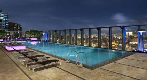 Самые роскошные бассейны на крышах гонконгских отелей (11 фото)