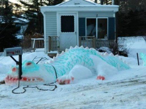 13 Самых прикольных снежных скульптур во дворе