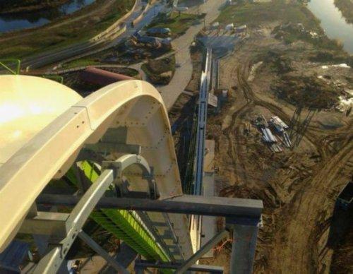 Приготовьтесь к Феррюкту, самой высокой и скоростной водной горке в мире (2 фото + видео)