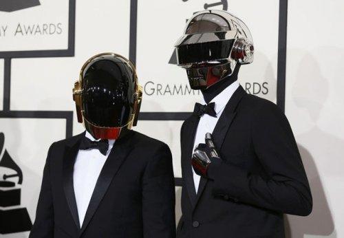 Кто скрывается за костюмами дуэта Daft Punk (11 фото)