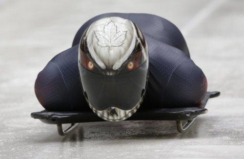 Оригинальные шлемы скелетонистов (10 фото)