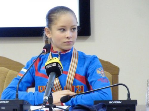 15-летняя Юлия Липницкая стала самой юной чемпионкой за всю историю зимних Олимпийских игр (10 фото)