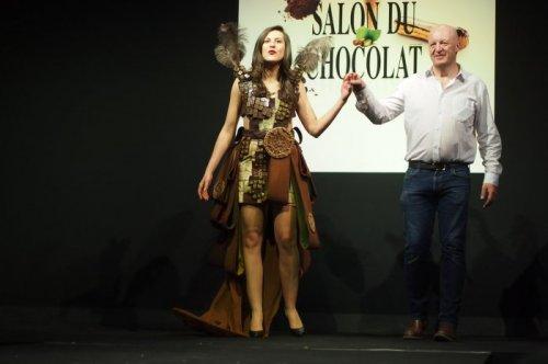 Модный показ Salon du Chocolat в Брюсселе (21 фото)