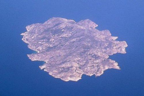 Остров Монтекристо (10 фото)