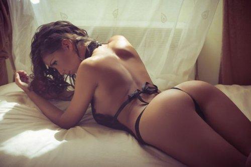 Сексуальные женские попки (33 фото)