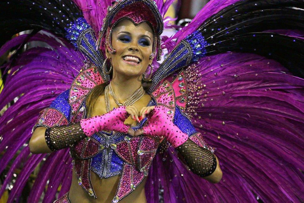 Секс массаж бразильских девушек с карнавала 10 фотография