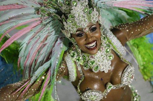 Праздничная феерия бразильского карнавала (34 фото)