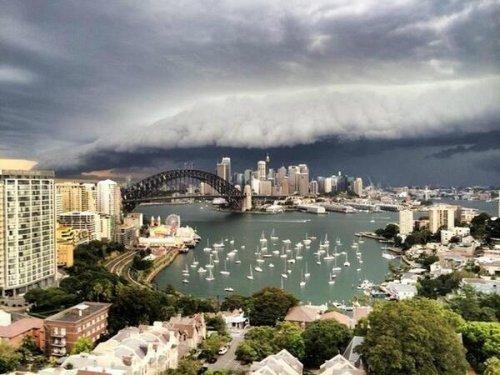 Штормовая туча над Сиднеем (12 фото)