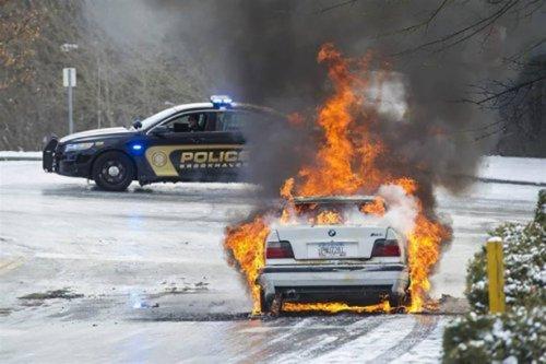 틀에 얽매이지 않는 인상적인 충돌 사고 (32 사진)