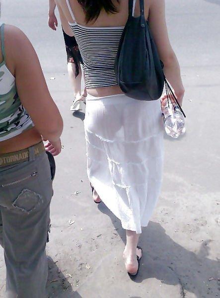 трябва бъде у девушки просвечиваются трусики через юбку смотреть онлайн аппетитная попка