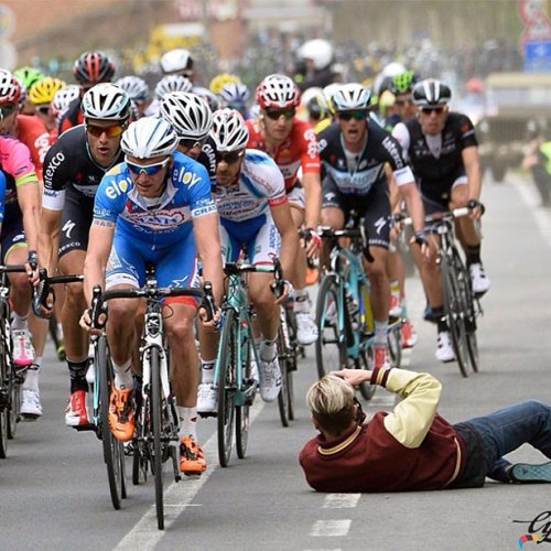 Новый Интернет-мем: фотограф на дороге (30 фото)