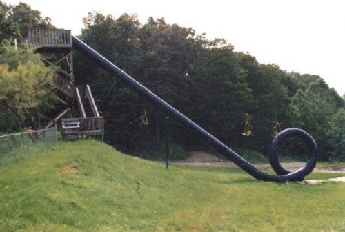 Топ-10 Безумных аттракционов из самых опасных парков развлечений в мире  Источник: http://www.bugaga