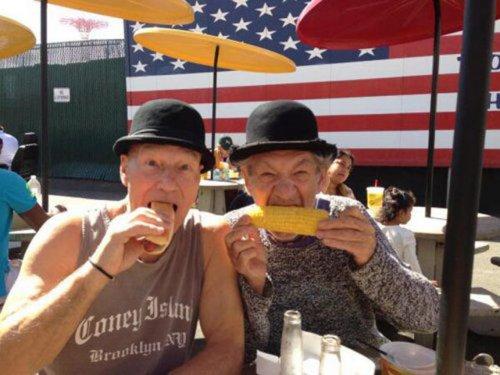 Патрик Стюарт и Иэн Маккеллен отмечают Конец Бродвейской Эры (29 фото)