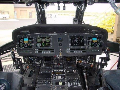 Внутри кабин военных самолётов (30 фото)