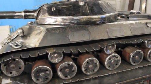 Крутой мангал для настоящего танкиста (5 фото + видео)