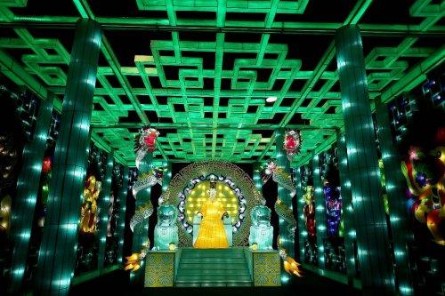 Волшебная иллюминация на выставке фонарей в Блэкпуле (14 фото)
