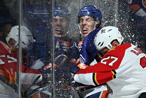 Трус не играет в хоккей (17 фото)