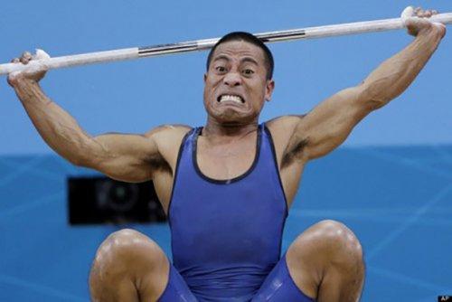 Смешные лица тяжелоатлетов (22 фото)
