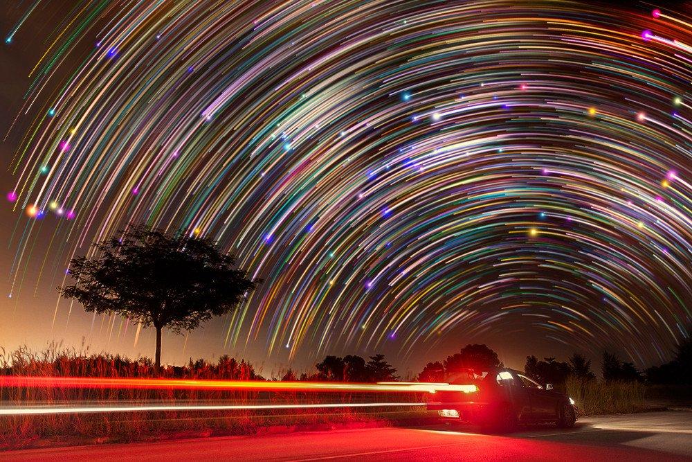 Ночное фото человека на длинной выдержке
