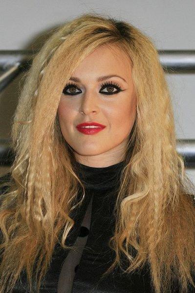 Неудачный макияж знаменитостей (28 фото)