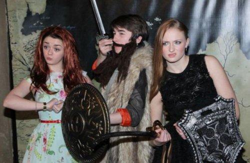 """Актёры """"Игры престолов"""" умеют веселиться (35 фото)"""