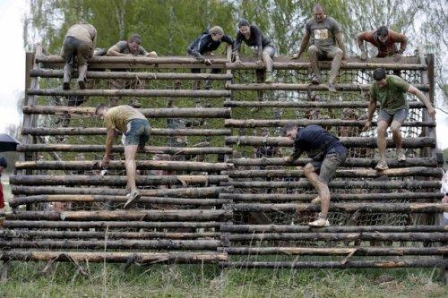 Экстремальная гонка на выживание в Латвии (11 фото)