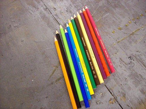 Кольцо из цветных карандашей (13 фото)