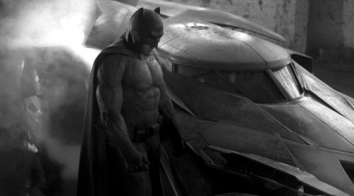 Грустный Бэтмен покоряет Интернет (23 фото)