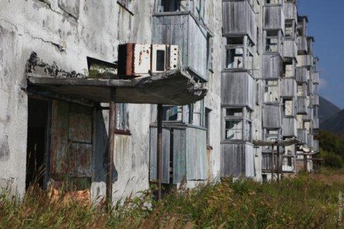 Самые жуткие и впечатляющие заброшенные места России (22 фото)