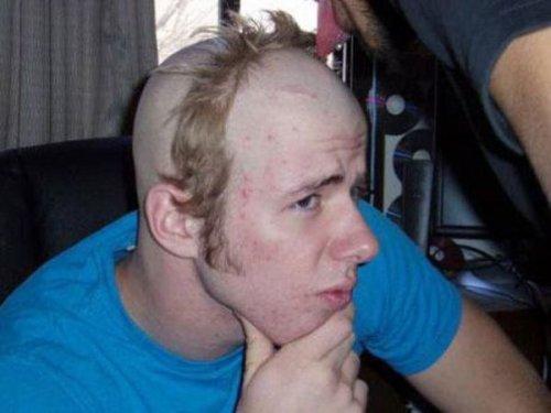 Причудливо-смешные стрижки и причёски (16 фото)