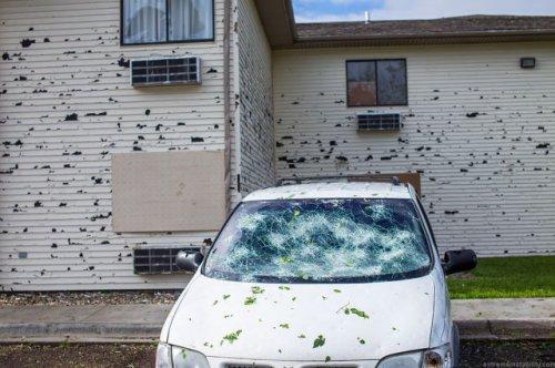 Разрушительные последствия выпавшего в Небраске града (35 фото)