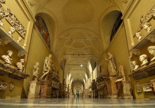 9 Странных и интересных вещей, которые можно увидеть в Ватикане