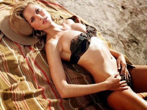 Топ-10 Моделей, ставших знаменитыми после появления на обложке Sports Illustrated